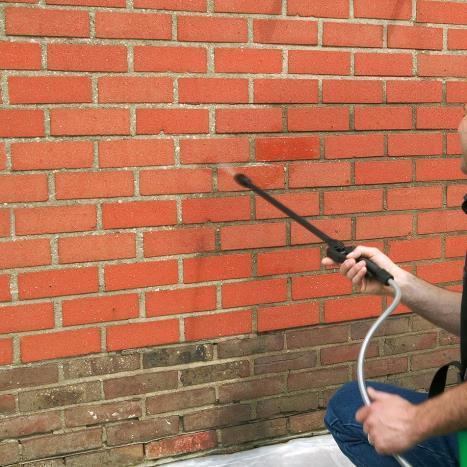 Hoe een bakstenen buitenmuur schilderen ?