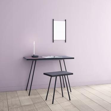 Een rustig hoekje aan je bureau met zacht lila