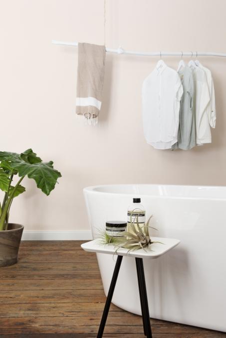 Inspiratie: badkamermuur parelwit schilderen