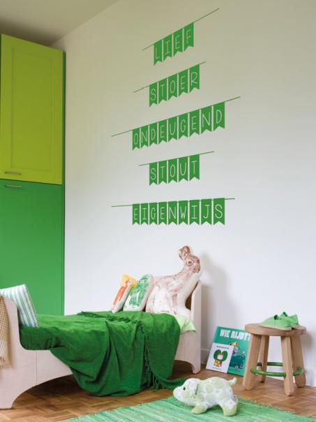 Kleef een muursticker in je slaapkamer