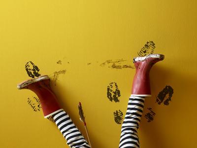 Vuile vlekken op je geverfde muur? Zó was je ze af!