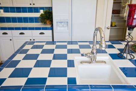 Keukentegels schilderen: blaas je keuken nieuw leven in