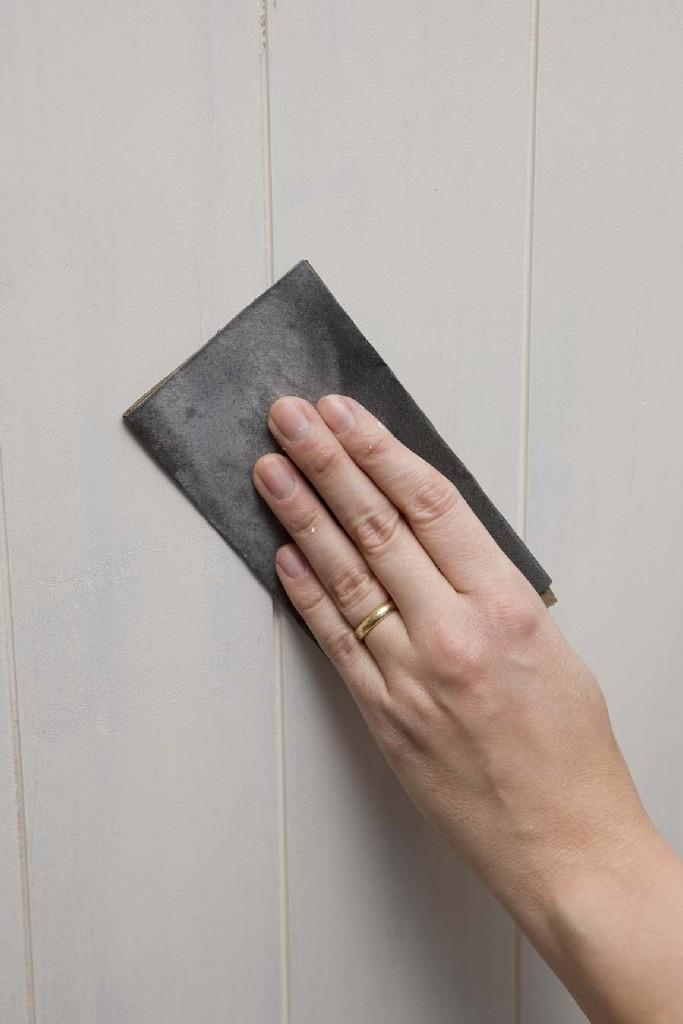 MDF schilderen: schuur goed op tussen twee lagen verf